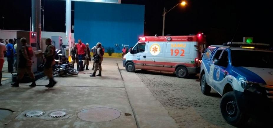 Motociclista é morto a tiros ao parar em posto de combustíveis no sul da Bahia