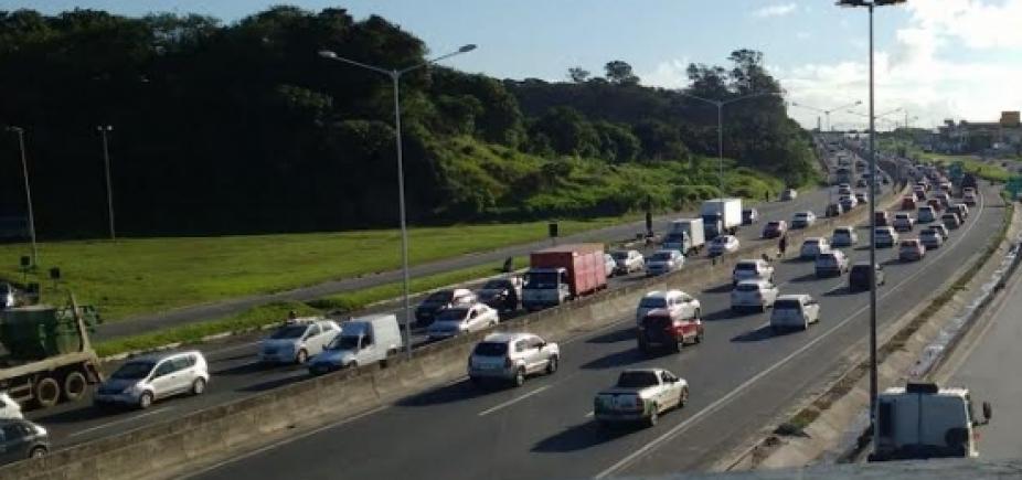 Motorista enfrenta lentidão em alguns pontos de Salvador