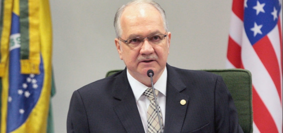 Fachin será relator de pedido de Aécio para suspender afastamento do mandato