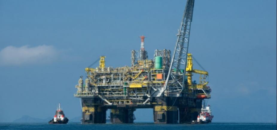 """Ministro avalia privatização da Petrobras no futuro: \""""É um caminho\"""""""