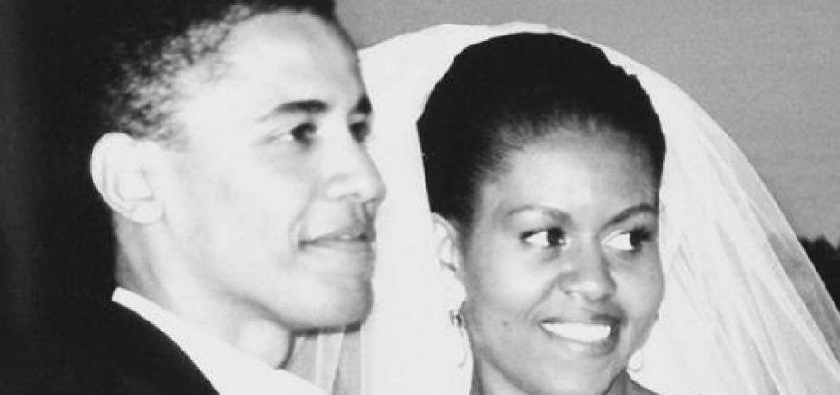 Após rumor de divórcio, Michelle Obama comemora 25 anos de casamento com Barack