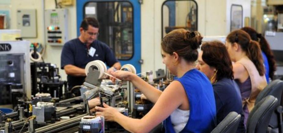 Empresas fecham mais que abrem no Brasil, aponta IBGE