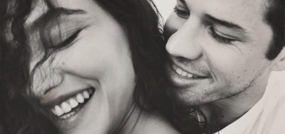 """Débora Nascimento e Zé Loreto anunciam gravidez: """"Amor multiplicado"""""""