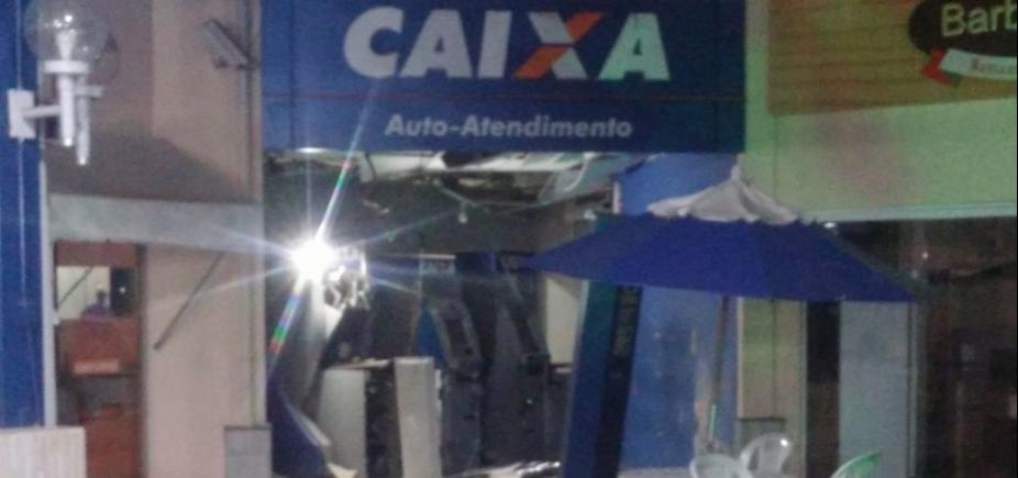 Bandidos explodem caixas eletrônicos em shopping no Cabula
