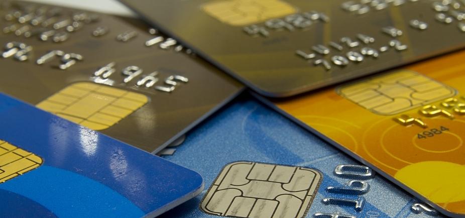 Metade dos brasileiros não consegue pagar empréstimos ou financiamentos