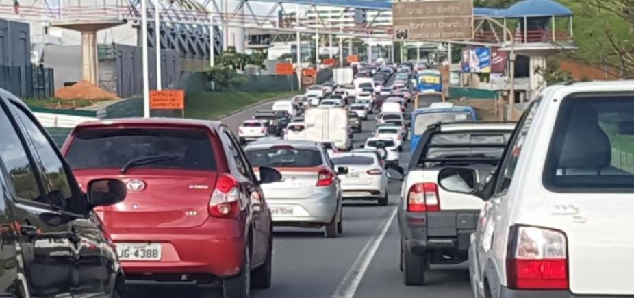 Trânsito lento mas ainda sem registro de acidentes em Salvador