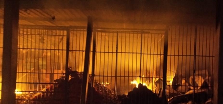 Feira livre é destruída por incêndio em Barreiras
