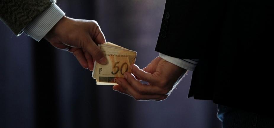 Pesquisa mostra que 8 de cada 10 brasileiros afirmam que denunciariam corrupção