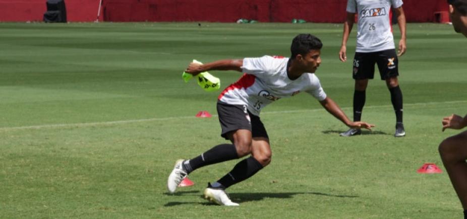Mancini terá reforço nas laterais do Vitória para enfrentar o Sport no Barradão