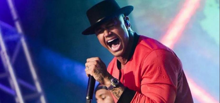 Léo Santana faz show em Guarajuba neste feriado; confira