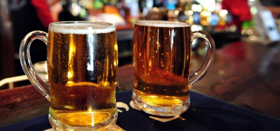 Polícia descobre fábrica que falsificava rótulos de cervejas e prende suspeitos