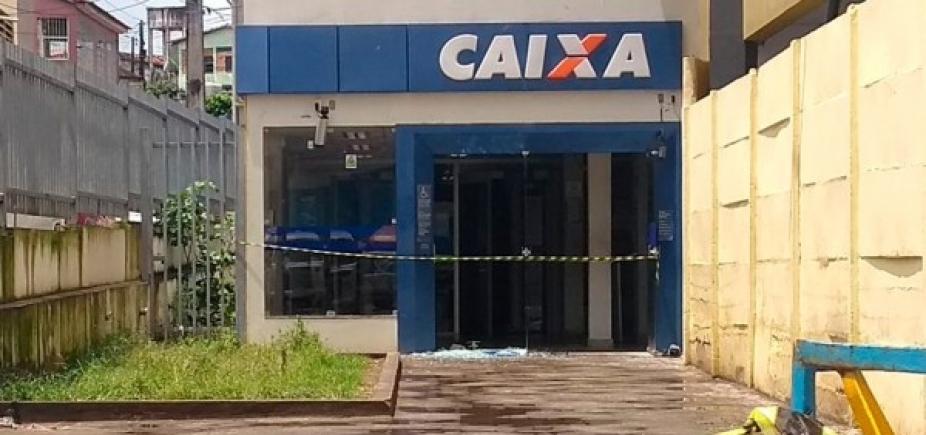 São Sebastião do Passé: quadrilha coloca fogo em carreta e tenta roubar banco