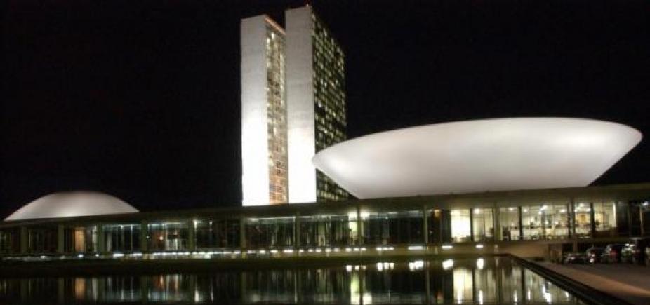 Denúncia contra Temer e possível volta de Aécio pautam Congresso Nacional nesta semana
