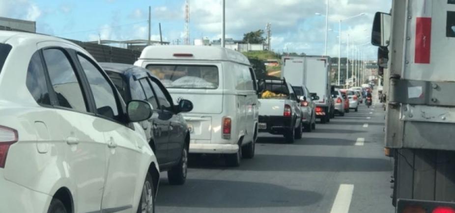 Grave acidente deixa transito ainda mais congestionado na Estrada do Derba