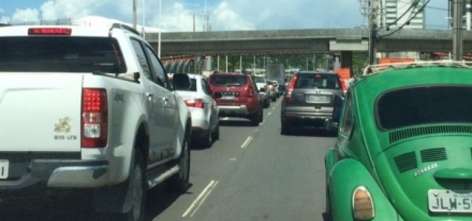 Movimentação de pessoas na rodoviária causa lentidão a partir da Paralela