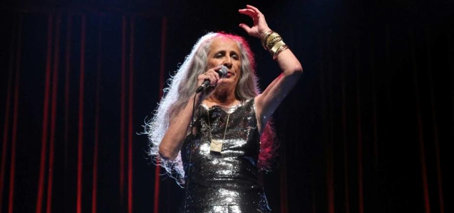 Maria Bethânia surpreende e canta música de Pablo;  vídeo