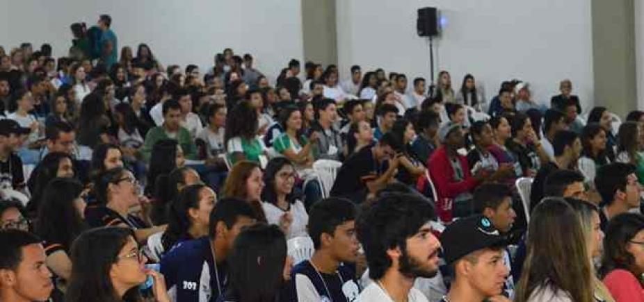 Aulão solidário de revisão para o Enem é realizado em shopping na Lapa