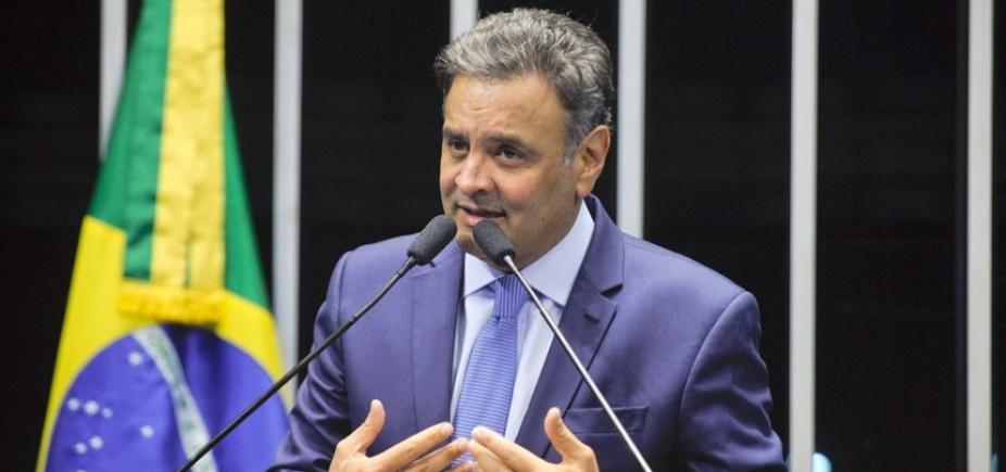 Tasso Jereissati pede que Aécio deixe presidência do PSDB