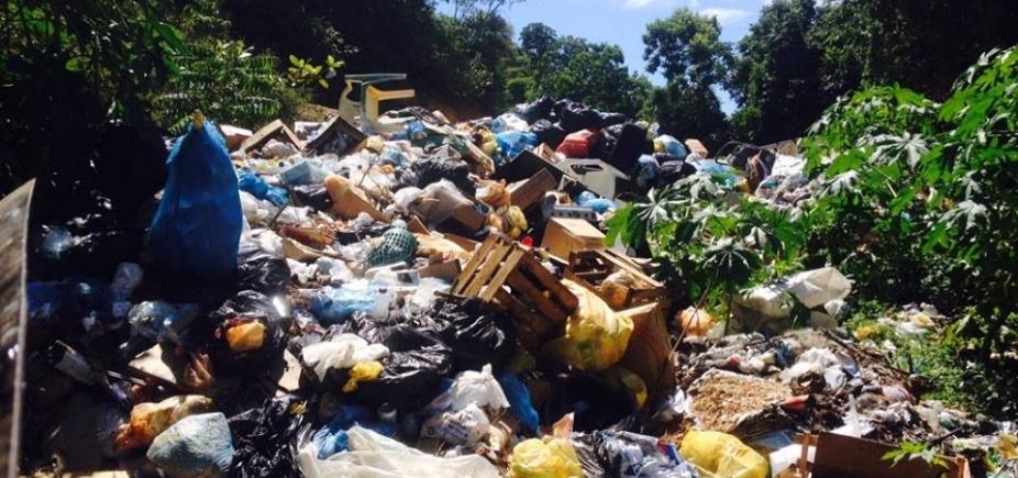 Sem coleta, lixo e moscas assustam moradores de Boipeba