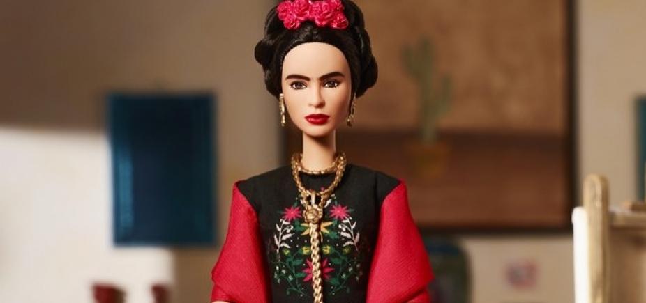 Família de Frida Kahlo aciona Mattel após Barbie inspirada na pintora