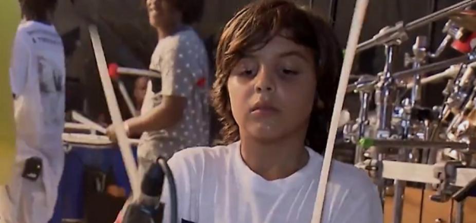 Ivete compartilha vídeo do filho tocando bateria; assista