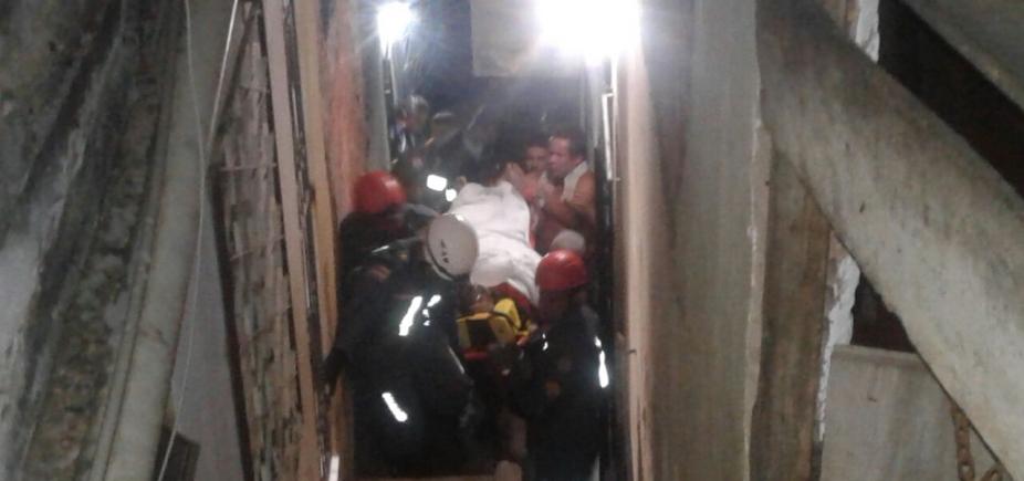 Mulher fica soterrada após laje desabar em São Caetano