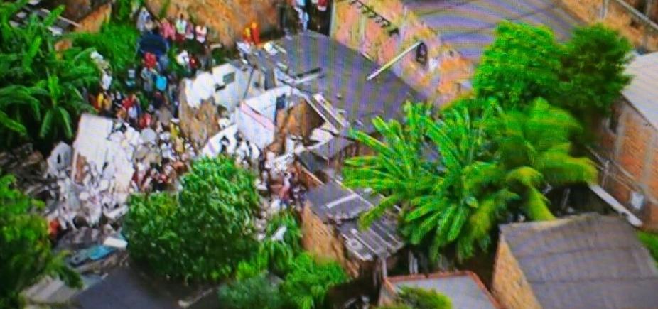 Prédio desaba e deixa soterrados no bairro de Pituaçu