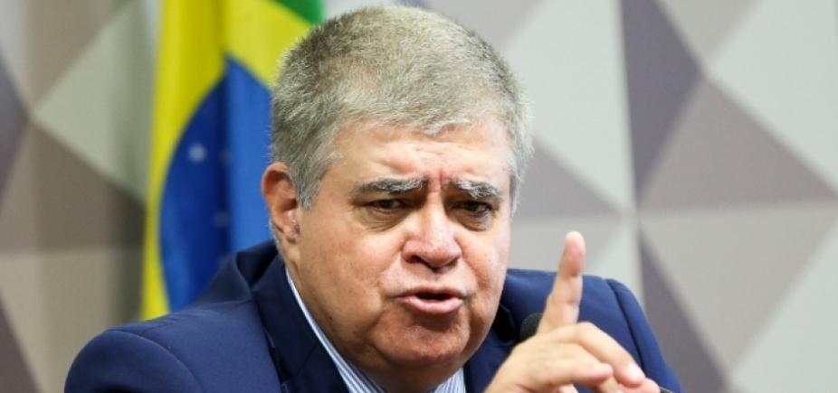 Marun escreve pedido de impeachment de ministro do STF