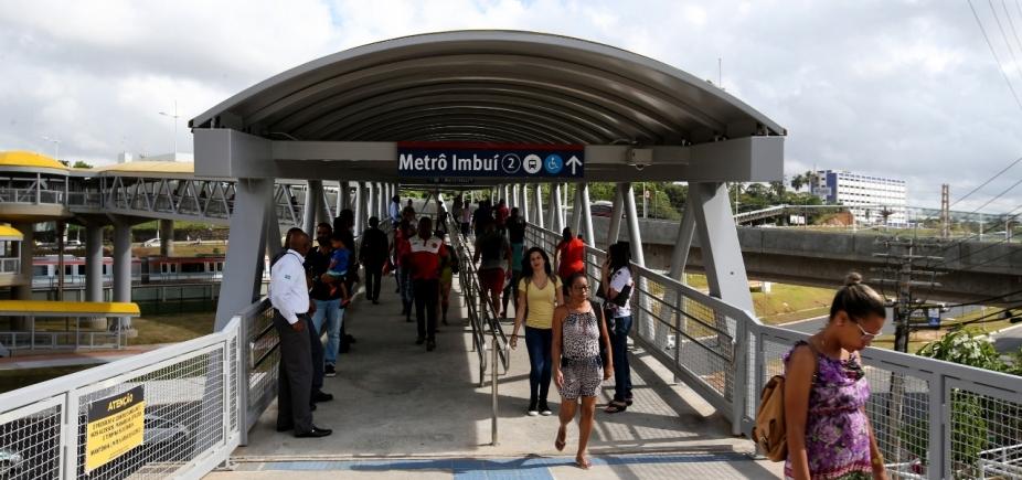Governo entrega passarela da estação Imbuí do metrô