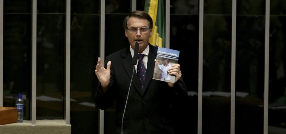 Deputado prefere crer em retração de Bolsonaro: ʹOu vamos ter que virar guerrilheirosʹ