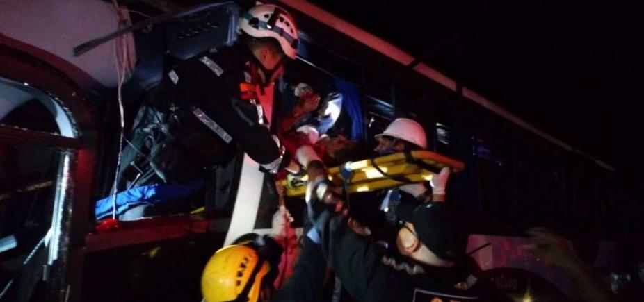 Acidente deixa nove mortos e 56 feridos no Equador