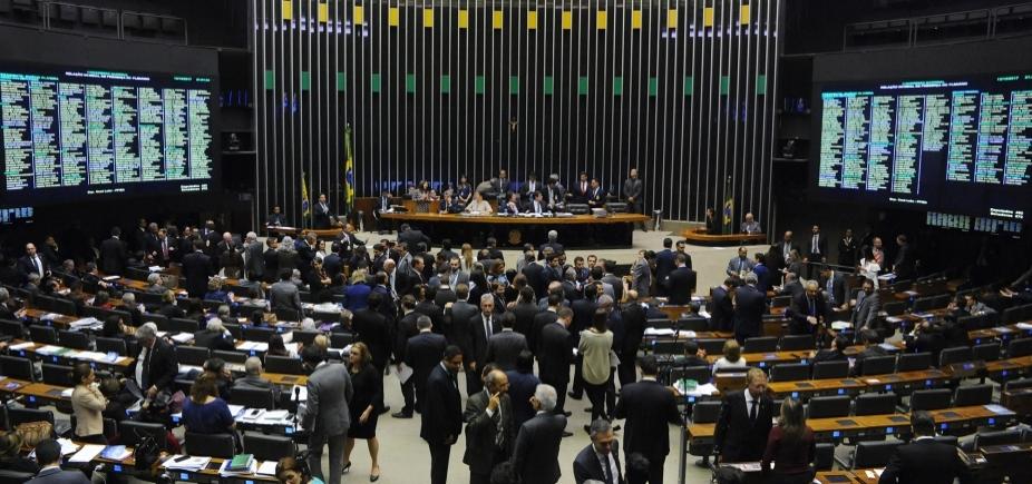 Deputados federais baianos burlam a lei com passaportes diplomáticos ilegais