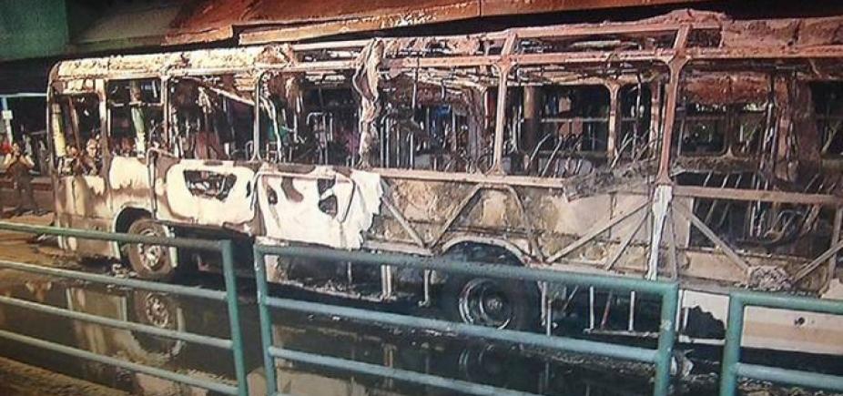 Três morrem e cinco ônibus são incendiados durante atentados em Fortaleza