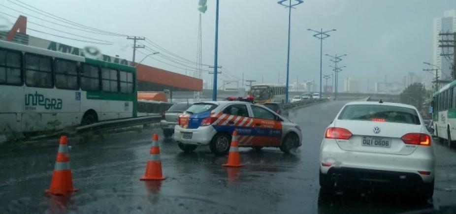 Com protesto e chuvas, Salvador tem longos congestionamentos; veja