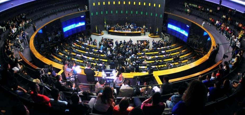 Câmara tem ao menos 443 lobistas credenciados; projeto deve regulamentar atividade