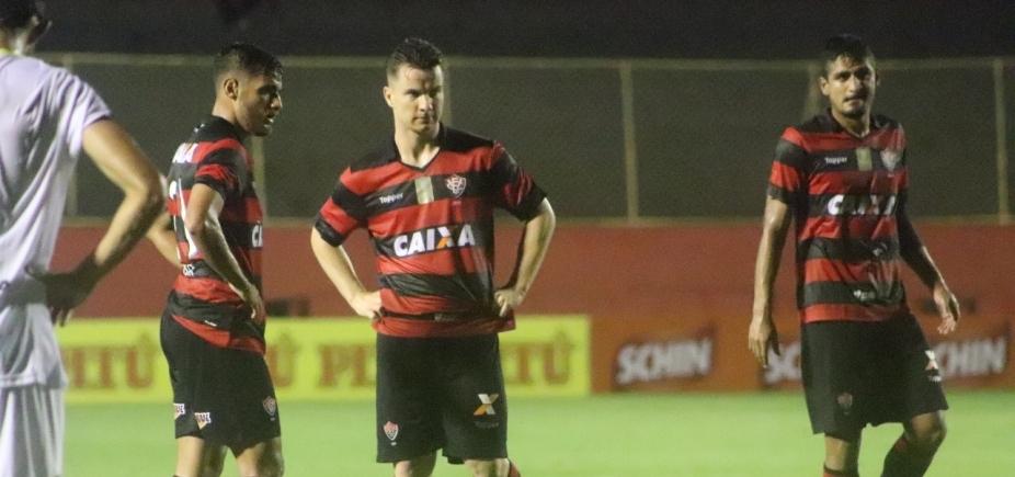 Vitória vence o Globo de virada por 3 a 1 e se classifica como líder