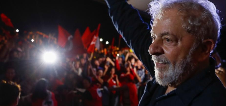 Delegado que atendeu ocorrência com caravana de Lula é afastado do cargo