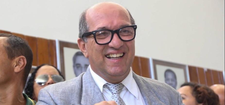 Vice-prefeito de Ilhéus alega ʹclonagem de celularʹ e nega ter pedido de dinheiro