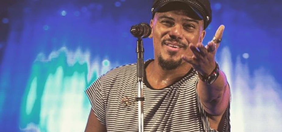 Vocalista do Sorriso Maroto se afasta da banda por doença