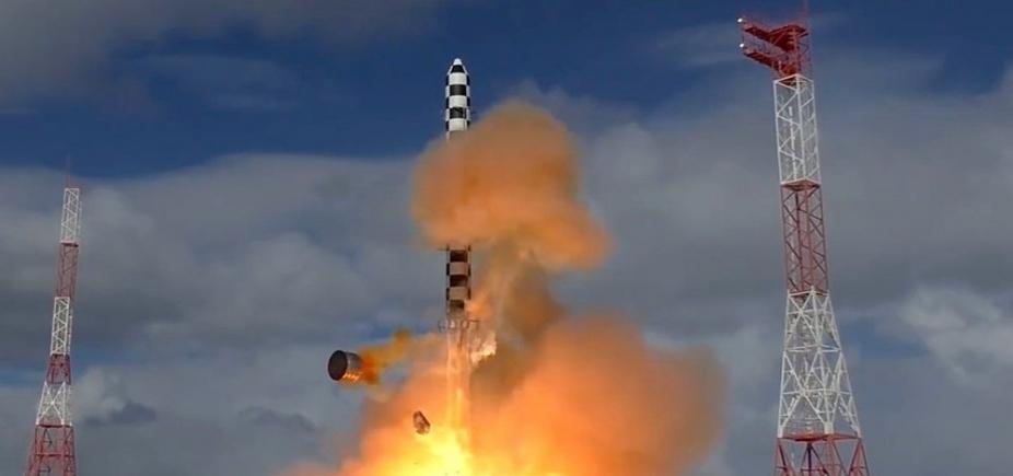 Rússia faz teste de novo míssil balístico intercontinental