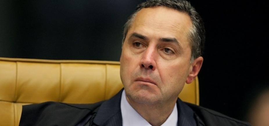 Barroso diz que Brasil viveu ʹpacto oligárquicoʹ para saquear Estado