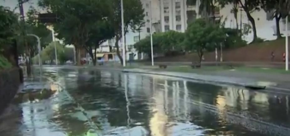 Vazamento de água gera intensidade na Avenida Centenário; veja trânsito