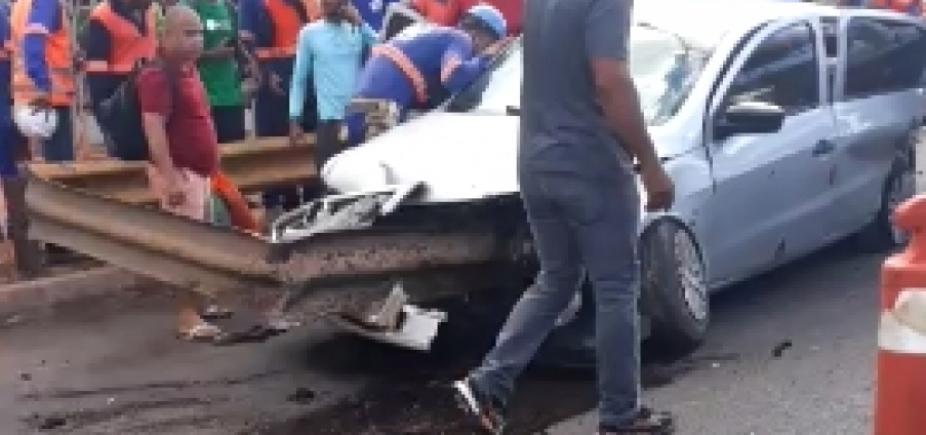 Colisão entre dois carros deixa um morto na Avenida Paralela
