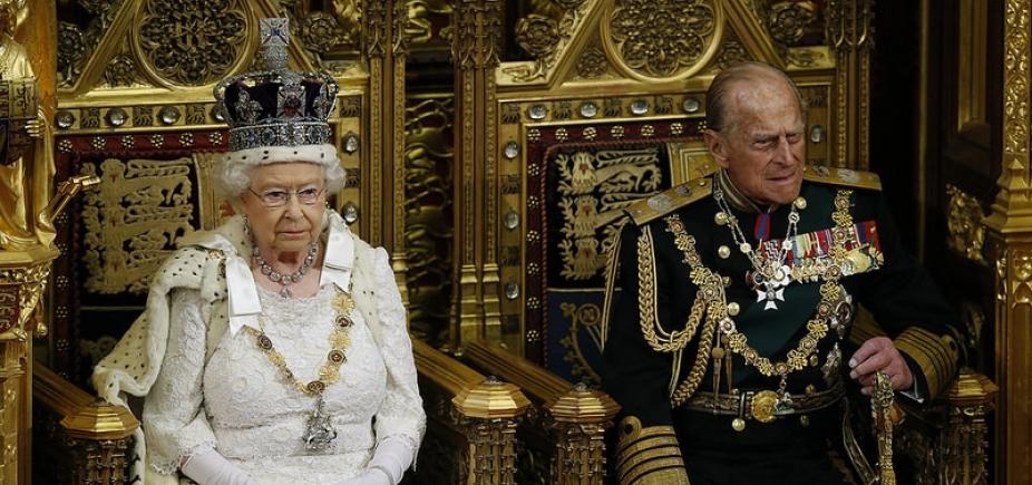 Príncipe Philip da Inglaterra é internado para cirurgia