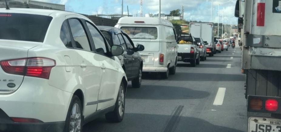 Manifestação bloqueia tráfego na BR-101