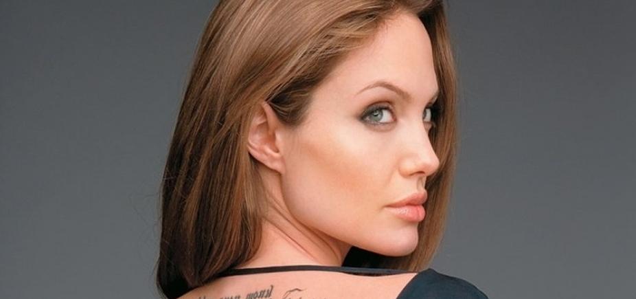 Solteira há 2 anos, Angelina Jolie tem crush famoso e casado, diz site