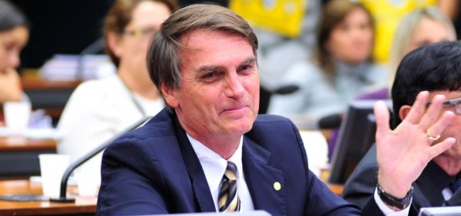 Bolsonaro apoia Villas Bôas: 'Partido do Exército é o Brasil'