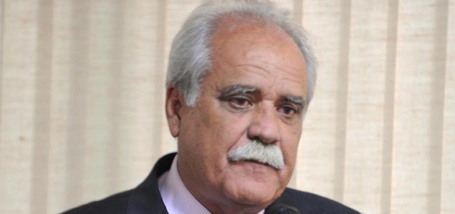 Ex-ministro assume MDB baiano e é pré-candidato ao governo