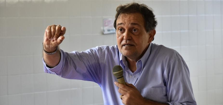 Pinheiro fica no governo e não deve disputar eleição