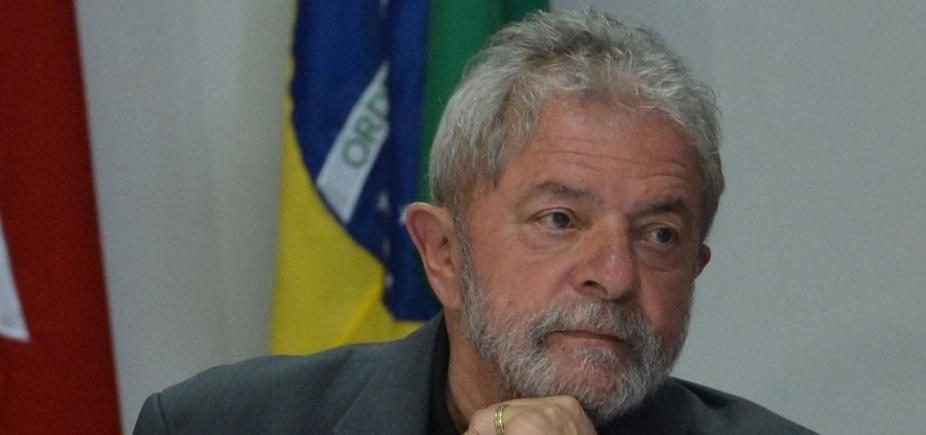 Lula decide não se entregar à PF em Curitiba, diz jornal
